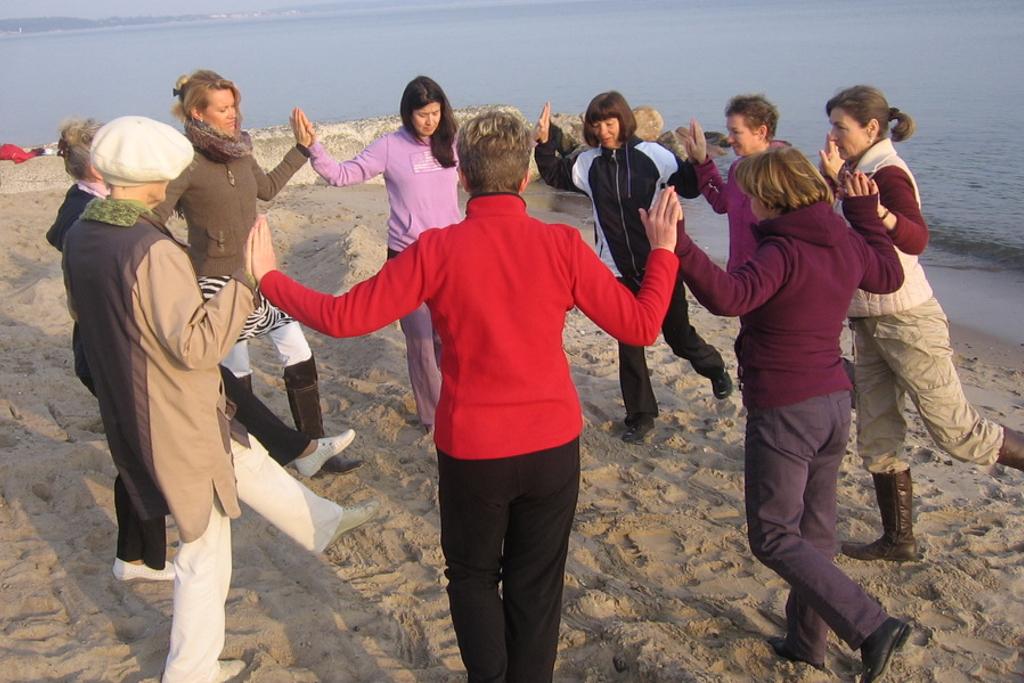 www-andrea-rittich-de-yoga-nia-beckenboden-schwingen